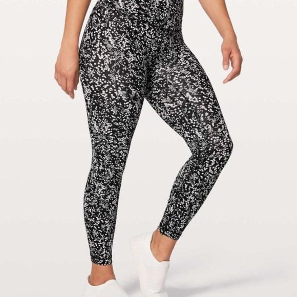 Lululemon black and white align leggings